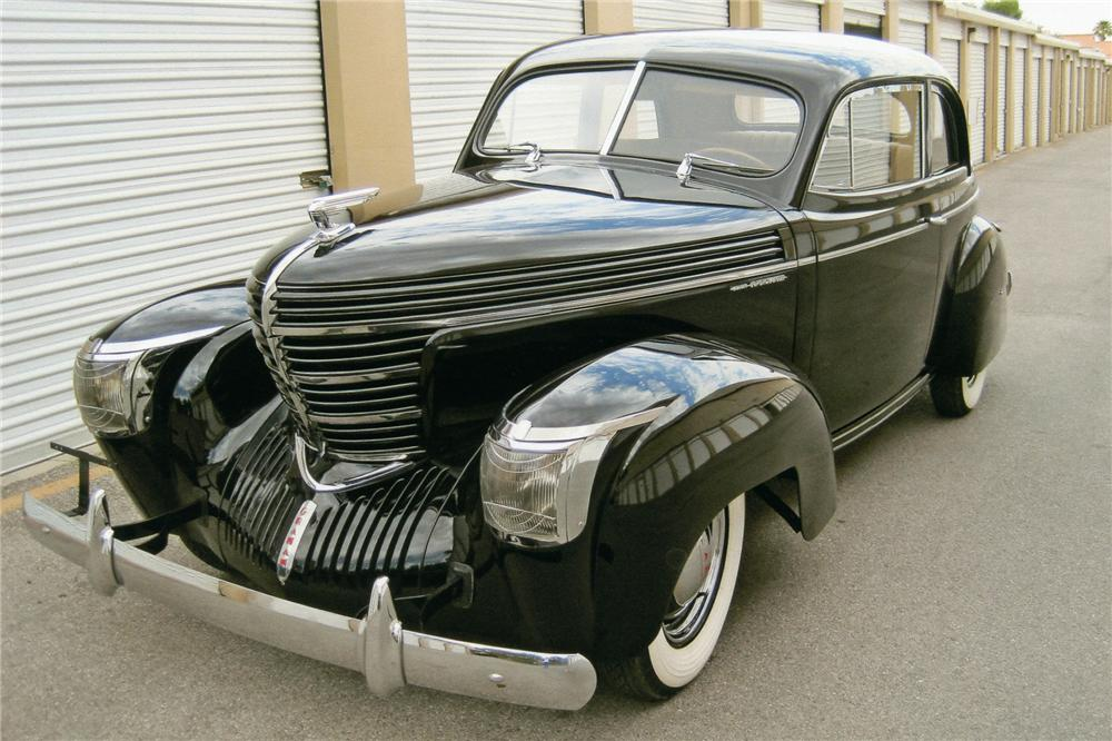1939 GRAHAM 97 COMBINATION COUPE - Front 3/4 - 93605