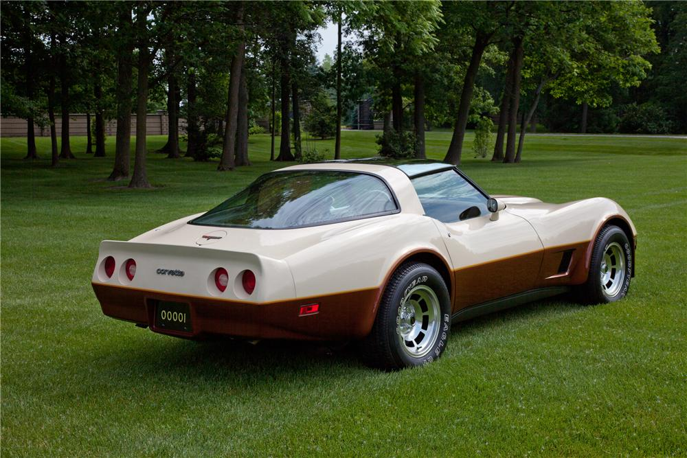 1981 CHEVROLET CORVETTE COUPE - Rear 3/4 - 93625