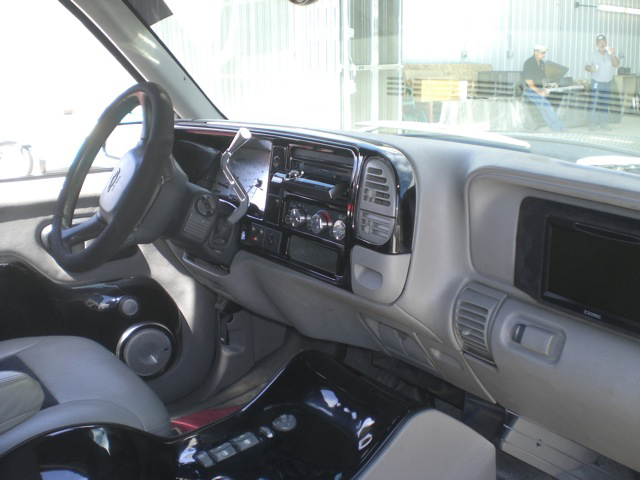 1999 CHEVROLET SUBURBAN CUSTOM SUV - Interior - 93640