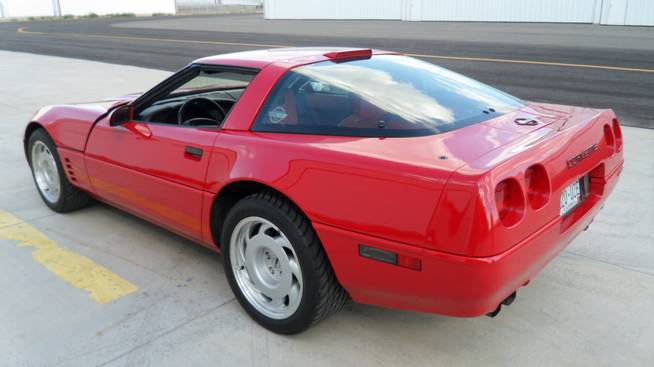 1991 CHEVROLET CORVETTE ZR-1 COUPE - Front 3/4 - 93653