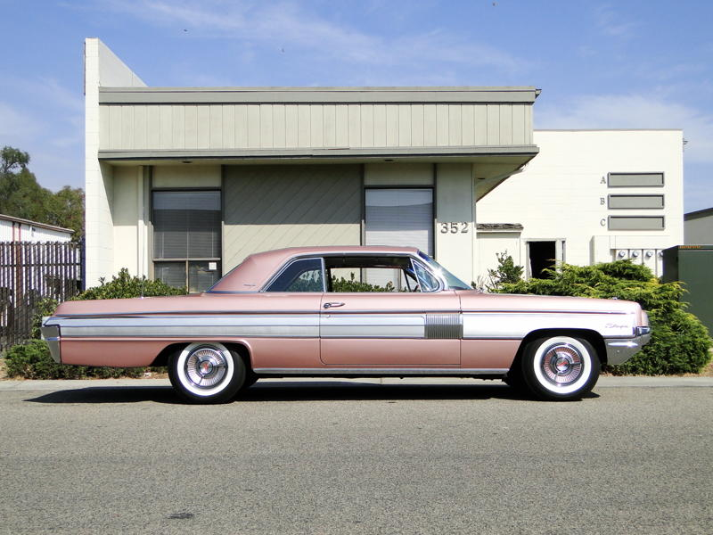 1962 OLDSMOBILE STARFIRE 2 DOOR COUPE - Side Profile - 93660