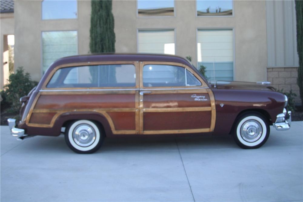 1951 FORD WOODY WAGON - Front 3/4 - 93693