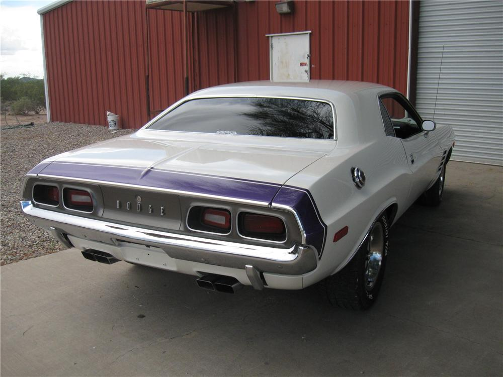 1972 DODGE CHALLENGER CUSTOM 2 DOOR HARDTOP - Rear 3/4 - 93852