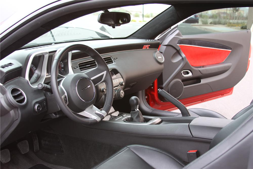 2010 CHEVROLET CAMARO CUSTOM COUPE - Interior - 93922