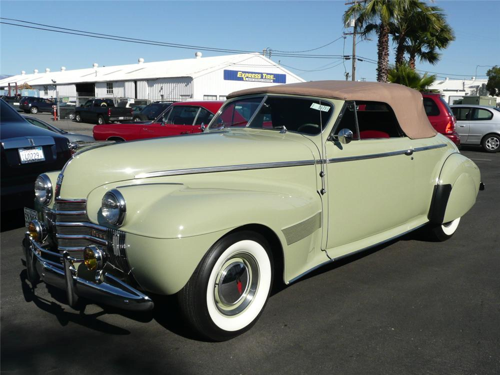 1940 OLDSMOBILE SERIES 90 CONVERTIBLE - Front 3/4 - 93980