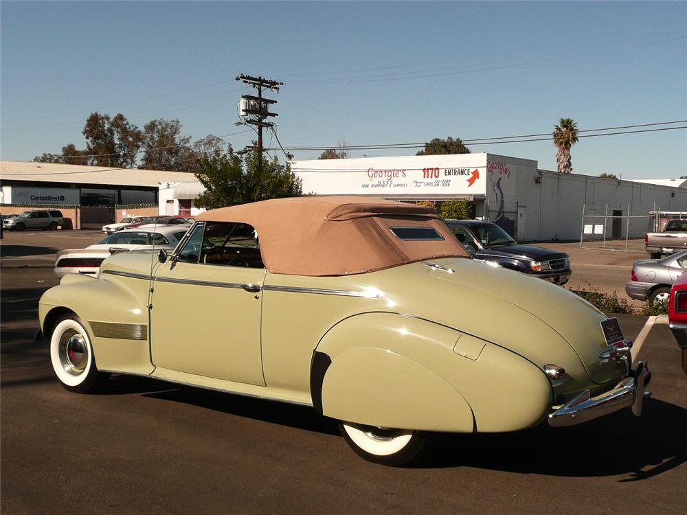 1940 OLDSMOBILE SERIES 90 CONVERTIBLE - Rear 3/4 - 93980
