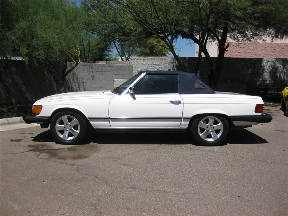 1985 MERCEDES-BENZ 380SL CONVERTIBLE - Side Profile - 94002