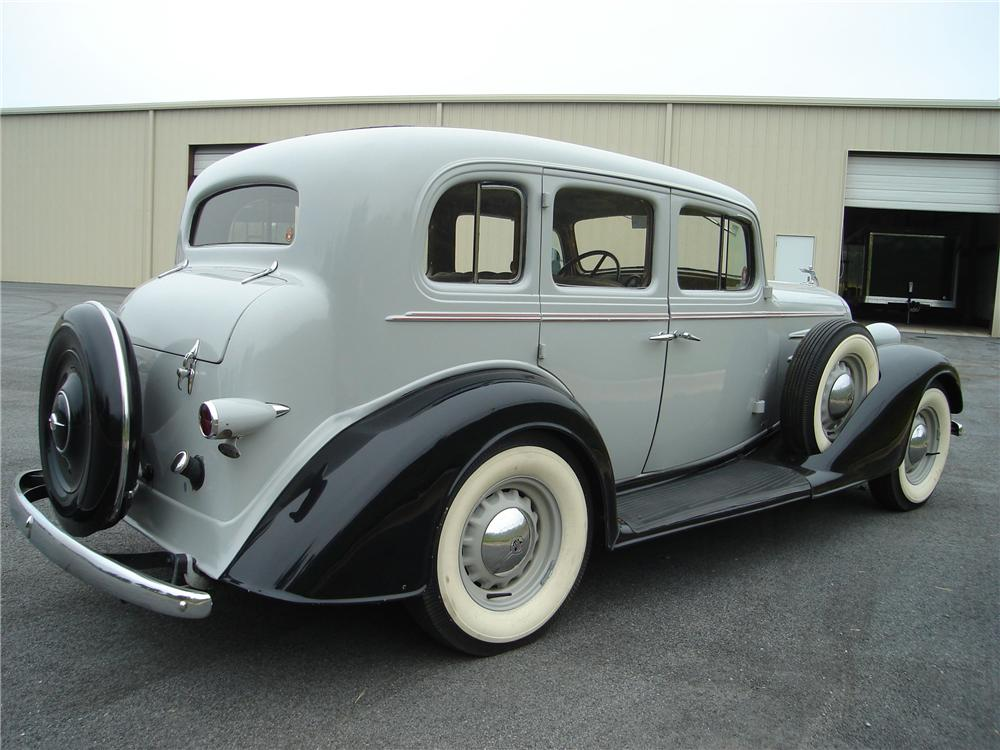 1934 OLDSMOBILE 4 DOOR SEDAN - Rear 3/4 - 94032
