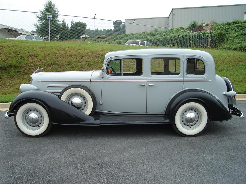 1934 OLDSMOBILE 4 DOOR SEDAN - Side Profile - 94032