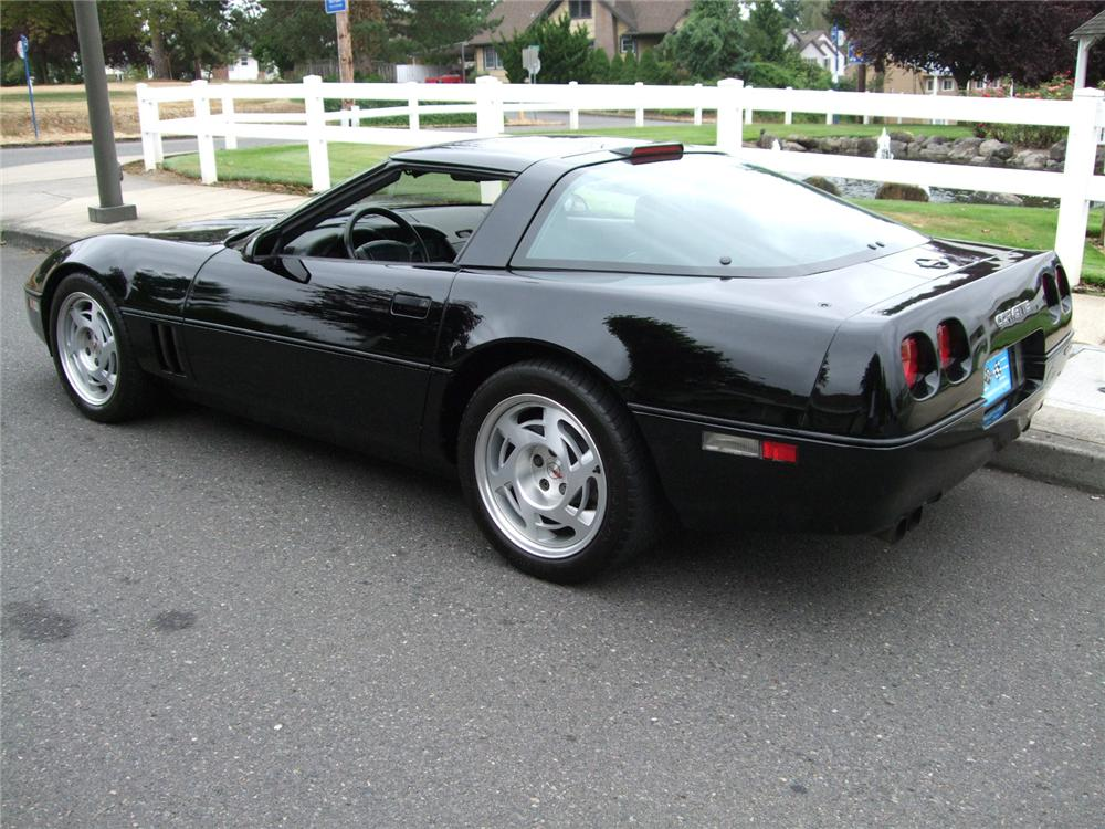 1990 CHEVROLET CORVETTE ZR1 COUPE - Rear 3/4 - 94059