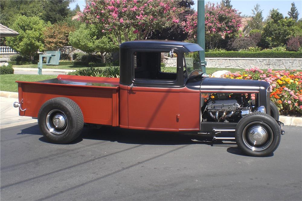 1932 FORD CUSTOM PICKUP - Side Profile - 94061
