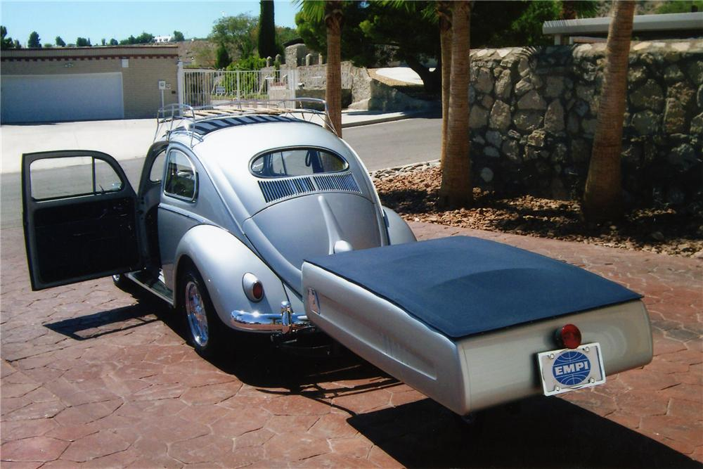 1957 VOLKSWAGEN BEETLE CUSTOM 2 DOOR W/TRAILER - Front 3/4 - 94084
