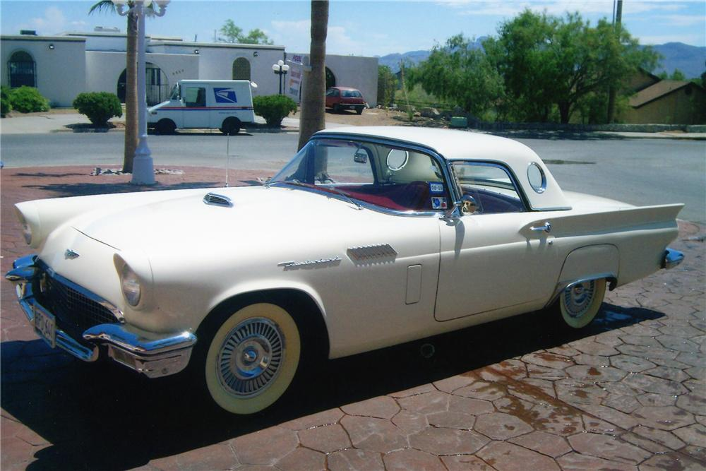 1957 FORD THUNDERBIRD CONVERTIBLE - Front 3/4 - 94087