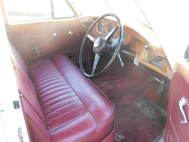 1958 BENTLEY S-1 SEDAN - Interior - 94091
