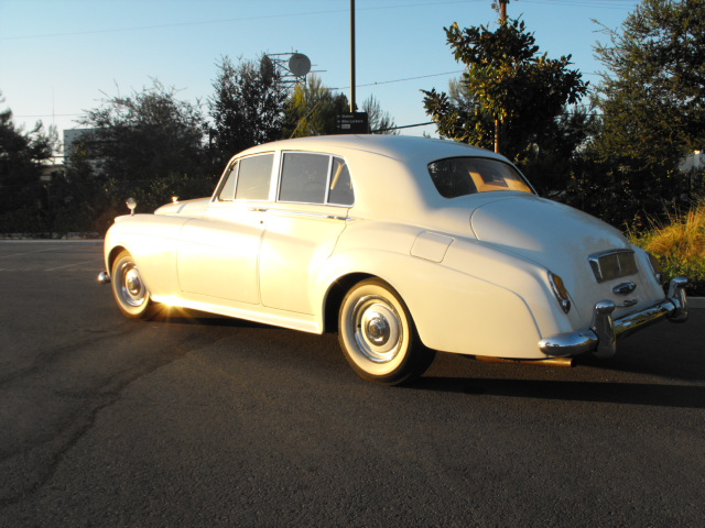 1958 BENTLEY S-1 SEDAN - Rear 3/4 - 94091