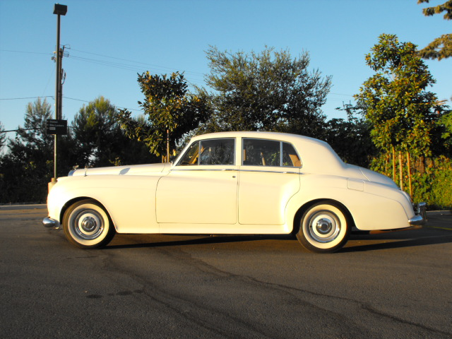 1958 BENTLEY S-1 SEDAN - Side Profile - 94091