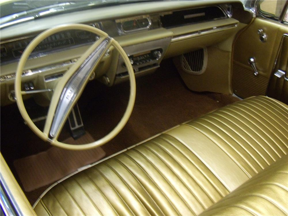1962 BUICK INVICTA CONVERTIBLE - Interior - 94093