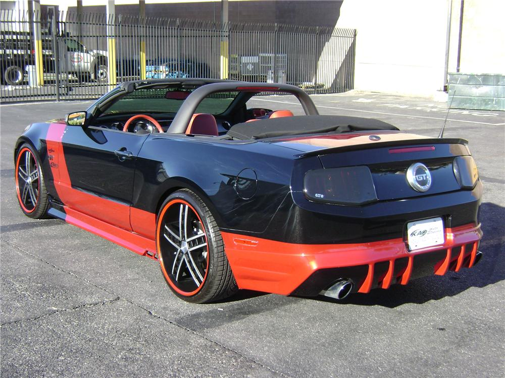 2010 FORD MUSTANG CUSTOM CONVERTIBLE - Rear 3/4 - 94199