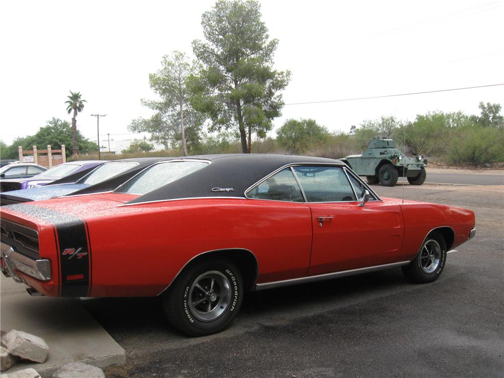 1969 DODGE CHARGER R/T 2 DOOR HARDTOP - Rear 3/4 - 94201