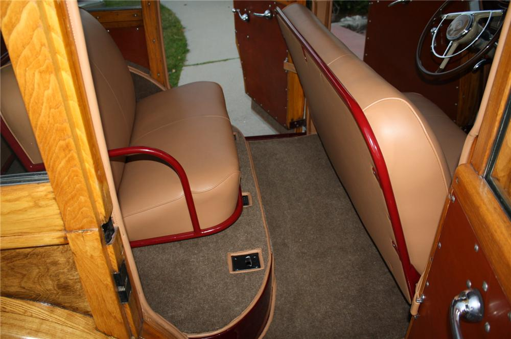 1941 PACKARD 110 WOODY WAGON - Interior - 96082