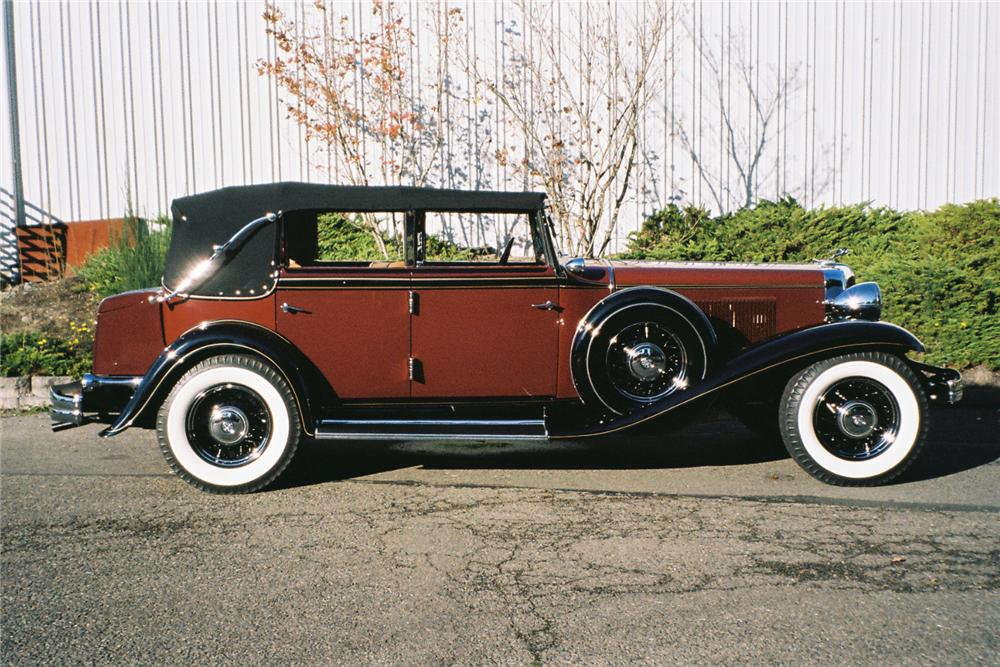 1932 CHRYSLER IMPERIAL CONVERTIBLE SEDAN - Side Profile - 96092