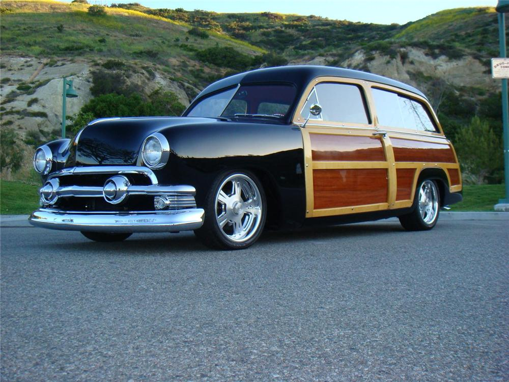 1951 FORD COUNTRY SQUIRE CUSTOM WOODY WAGON - Front 3/4 - 96106