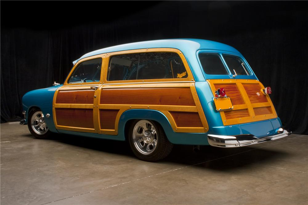1950 FORD COUNTRY SQUIRE CUSTOM WOODIE WAGON - Rear 3/4 - 96109