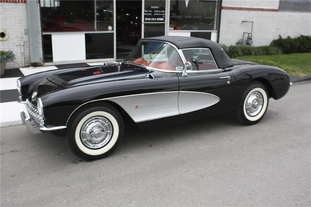 1957 CHEVROLET CORVETTE CONVERTIBLE - Front 3/4 - 96113