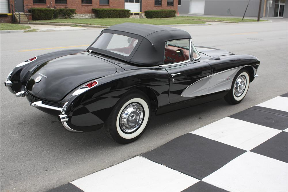 1957 CHEVROLET CORVETTE CONVERTIBLE - Rear 3/4 - 96113