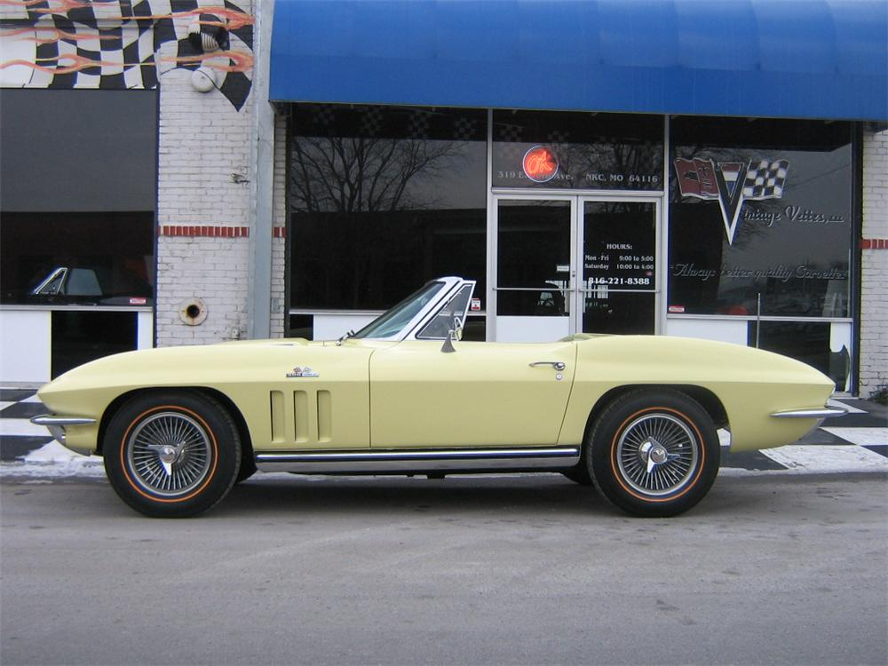 1965 CHEVROLET CORVETTE CONVERTIBLE - Side Profile - 96114