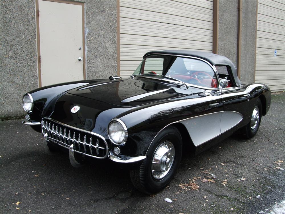 1957 CHEVROLET CORVETTE CONVERTIBLE - Front 3/4 - 96126