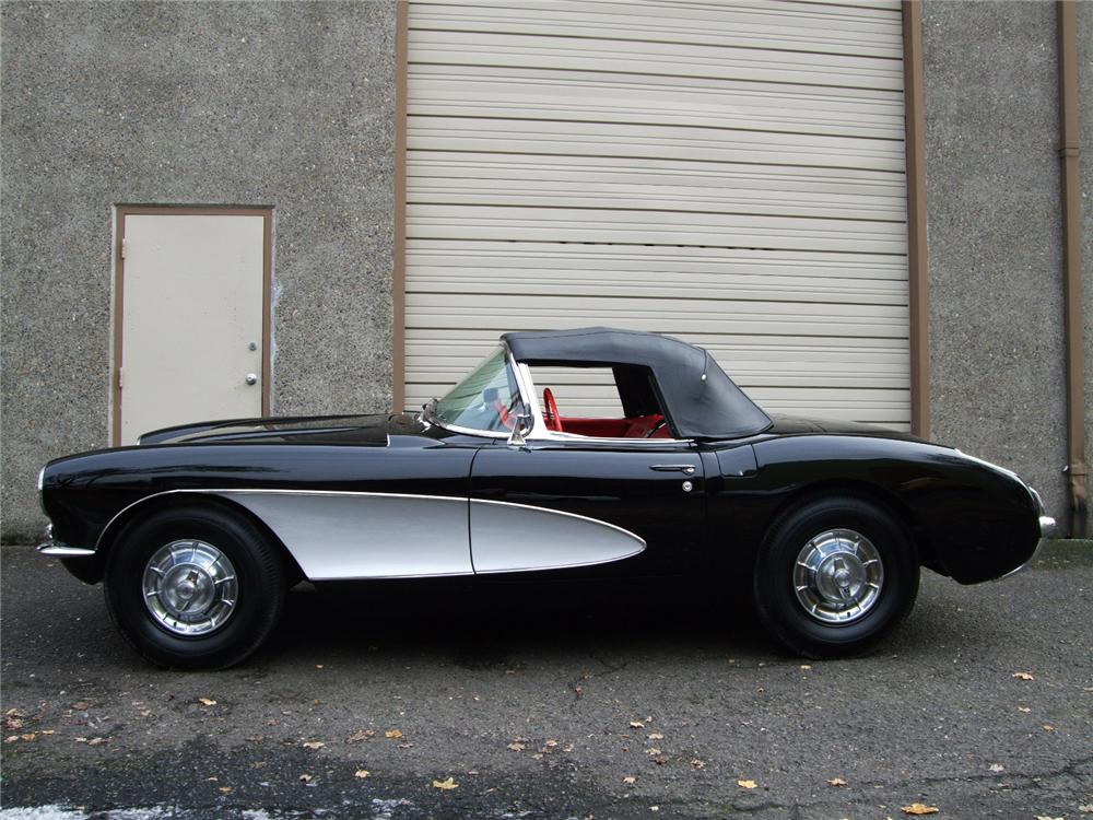 1957 CHEVROLET CORVETTE CONVERTIBLE - Side Profile - 96126