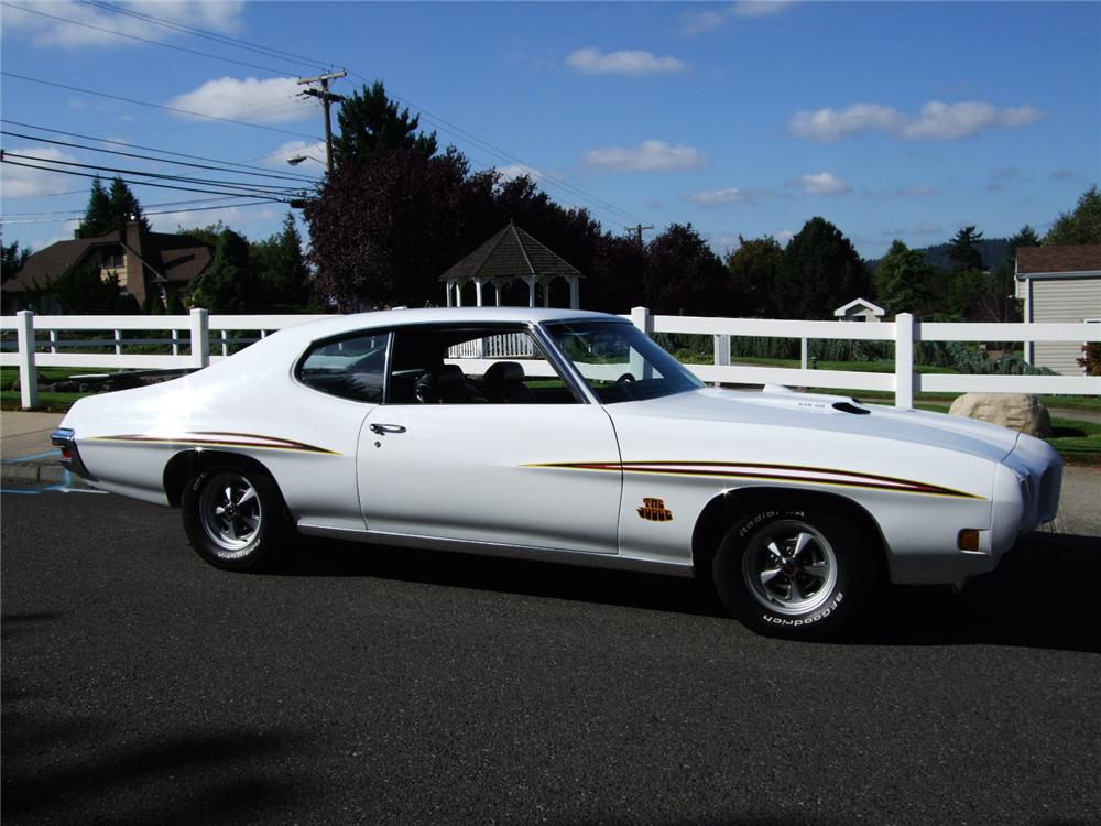 1970 PONTIAC GTO CUSTOM 2 DOOR HARDTOP - Side Profile - 96131