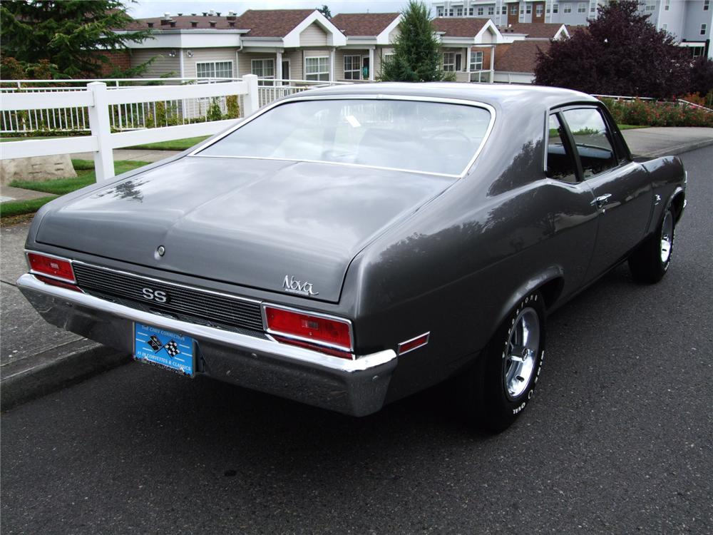 1970 CHEVROLET NOVA SS 2 DOOR HARDTOP - Rear 3/4 - 96132