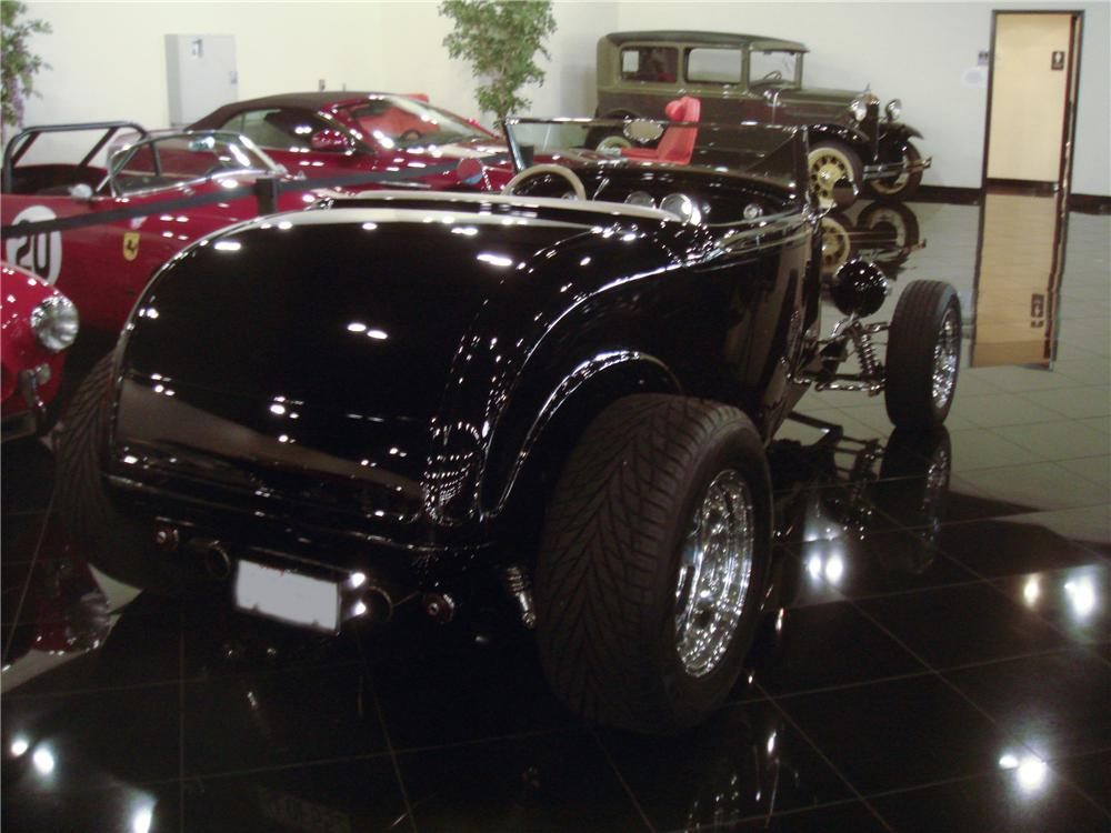 1932 FORD HI-BOY CUSTOM CONVERTIBLE - Rear 3/4 - 96138