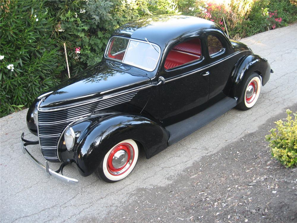 1938 FORD 5 WINDOW CUSTOM COUPE - Front 3/4 - 96146
