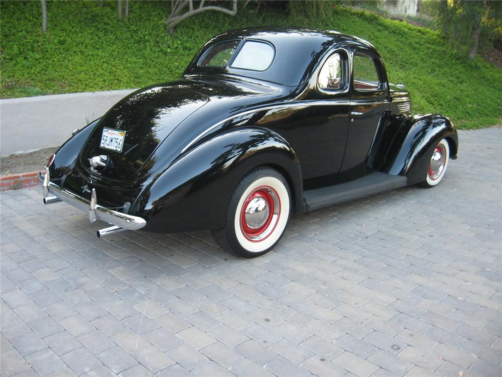 1938 FORD 5 WINDOW CUSTOM COUPE - Rear 3/4 - 96146