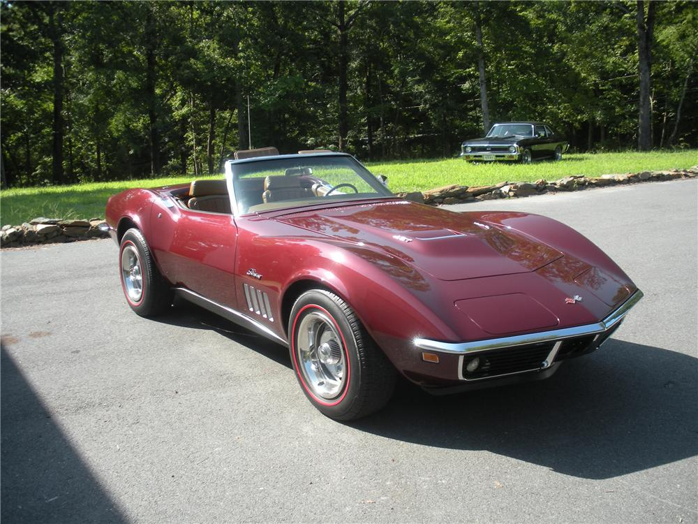 1969 CHEVROLET CORVETTE CONVERTIBLE - Front 3/4 - 96156
