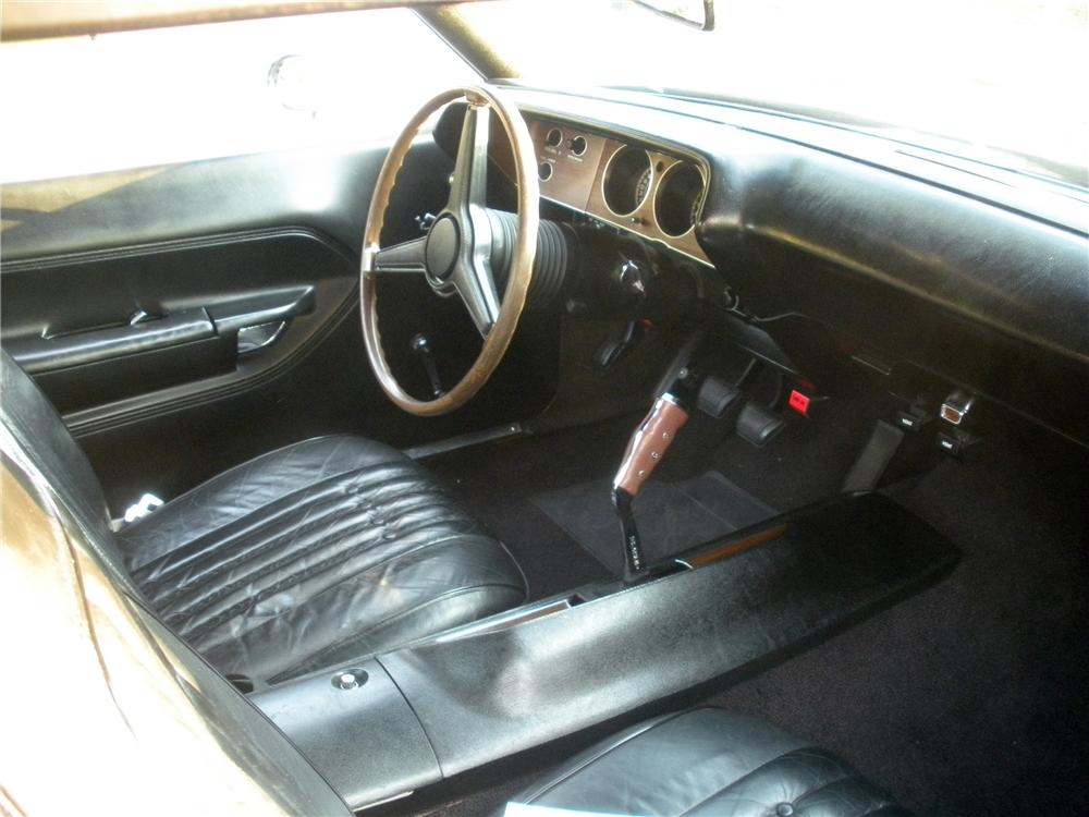 1971 PLYMOUTH CUDA 2 DOOR HARDTOP - Interior - 96165