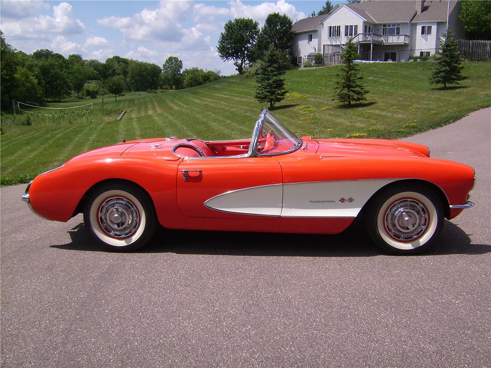 1957 CHEVROLET CORVETTE CONVERTIBLE - Side Profile - 96172