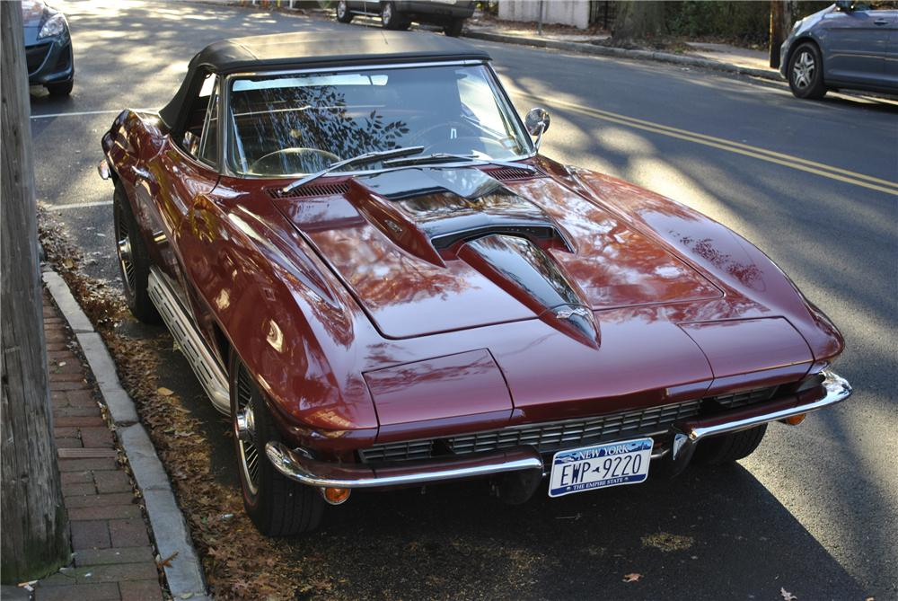 1967 CHEVROLET CORVETTE CONVERTIBLE - Front 3/4 - 96174