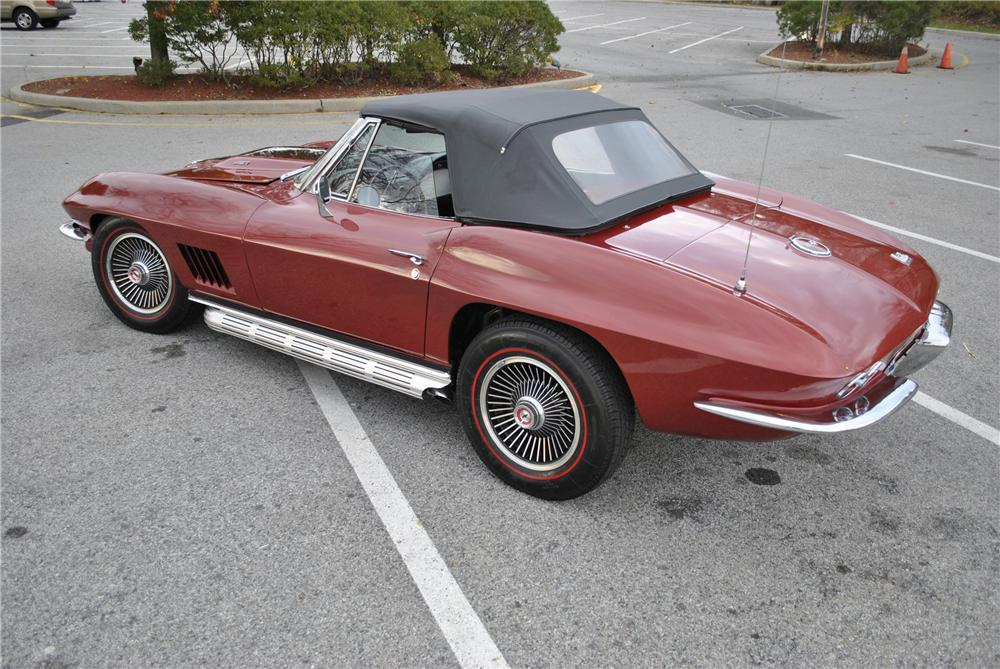 1967 CHEVROLET CORVETTE CONVERTIBLE - Rear 3/4 - 96174