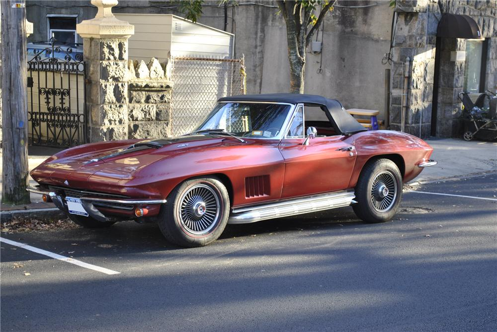 1967 CHEVROLET CORVETTE CONVERTIBLE - Side Profile - 96174