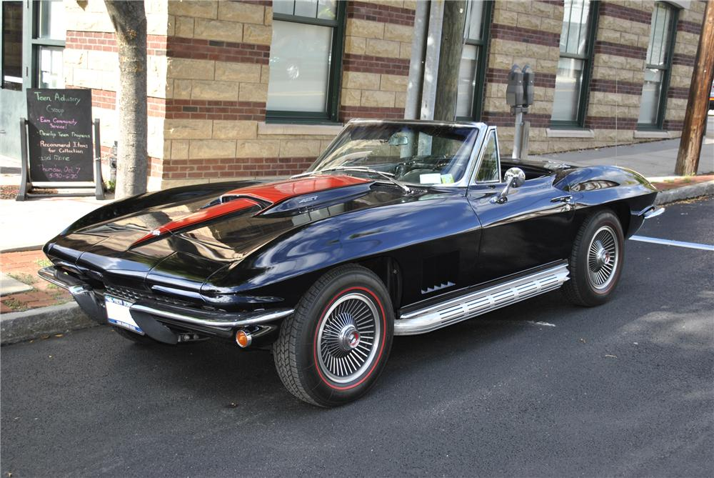 1967 CHEVROLET CORVETTE CONVERTIBLE - Front 3/4 - 96179