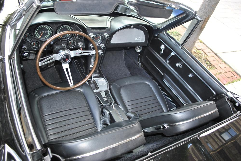 1967 CHEVROLET CORVETTE CONVERTIBLE - Interior - 96179