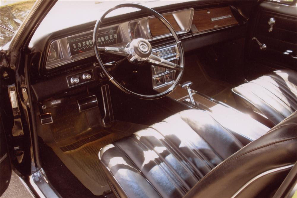 1966 CHEVROLET IMPALA SS CONVERTIBLE - Interior - 96182