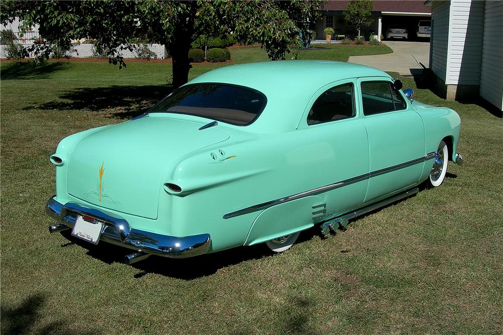 1950 FORD CUSTOM 2 DOOR SEDAN - Rear 3/4 - 96191