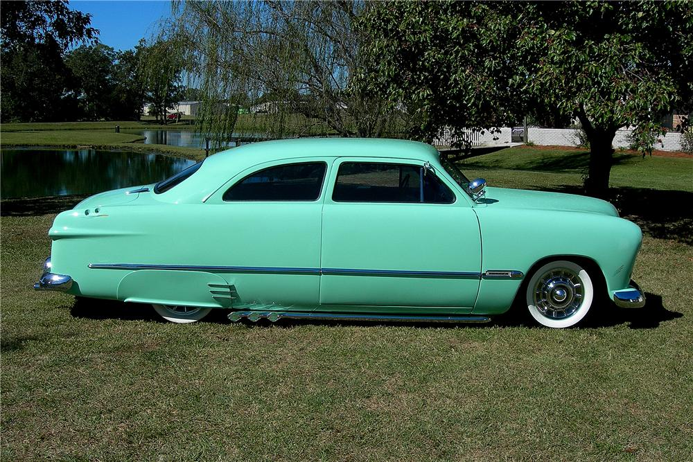 1950 FORD CUSTOM 2 DOOR SEDAN - Side Profile - 96191