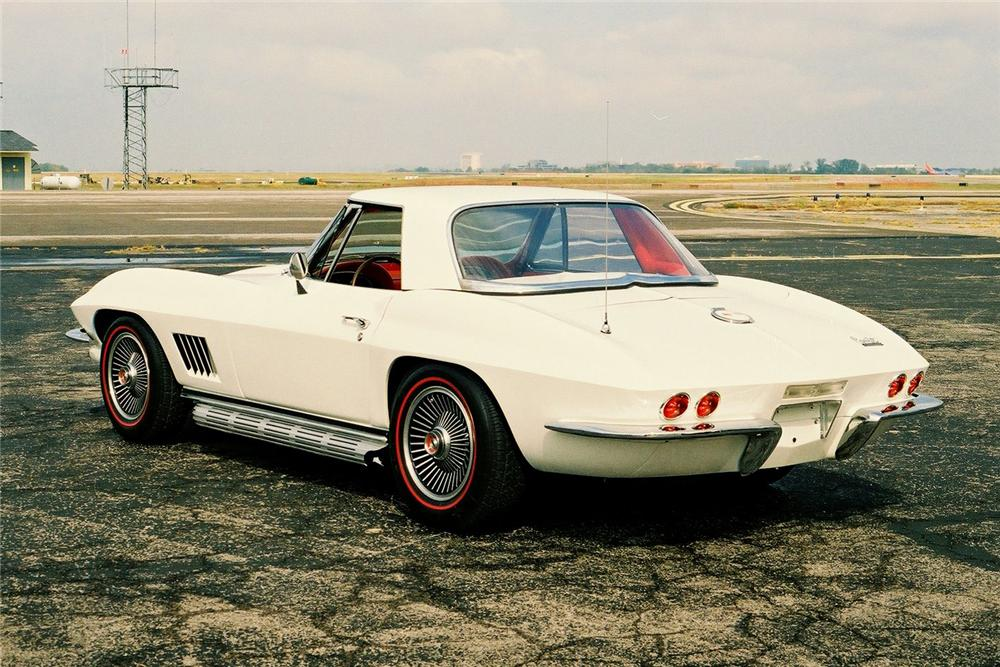 1967 CHEVROLET CORVETTE CONVERTIBLE - Rear 3/4 - 96217