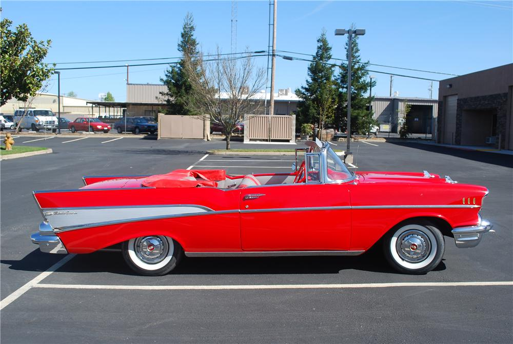 1957 CHEVROLET BEL AIR 2 DOOR CONVERTIBLE - Side Profile - 96229